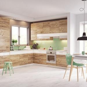 Nowoczesna kuchnia: postaw na drewno