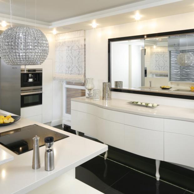 20 czarno-białych kuchni