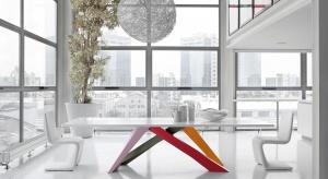 Zastanawiasz się jak nowocześnie urządzić jadalnię? Postaw na dobry design, proste formy mebli i koniecznie zadbaj o to co na stole, czyli piękną porcelanę.