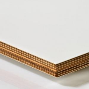 Fronty akrylowe ze rdzeniem ze sklejki. Fot. Manufaktura Łomża
