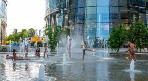 Plac Europejski to pierwszy tej skali plac miejski w Warszawie, spójnie zaprojektowany i zrealizowany przez dewelopera na prywatnej działce. Inicjatywa została doceniona w konkursie Property Design Awards 2017, w którym zyskała nominację do tytułu