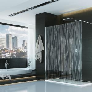 Minimalistyczny design: kabina walk-in PDT4P z serii PUR ozdobiona chromowym dekorem Lines. Fot. SanSwiss