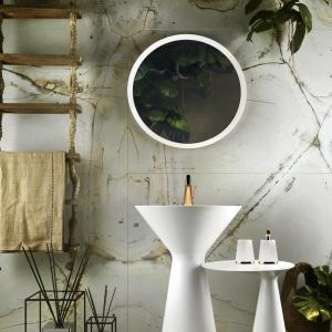 Inspirowana naturą seria wyposażenia CONO to przykład designu organicznego, który zmienia łazienkę w prywatne SPA. 2.950 euro/umywalka, 550 euro/bateria. Fot. Gessi