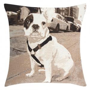 Poszewka dekoracyjna CHIP z zabawnym nadrukiem psa. Ok. 32 zł. Fot. Eurofirany