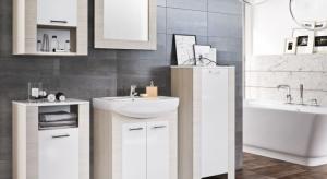 Wybierając wyposażenie do łazienkiwarto zdecydować się nazestaw bieli i kolorów drewna - będą jasne, ale zarazem przytulne.