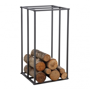 Stojak na drewno FINDO to elegancki i praktyczny gadżet do salonu z kominkiem. 159 zł. Fot. Westwing
