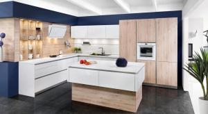 Odpowiednio dobrane fronty mogą poprawić wizualnie proporcje kuchni. Pionowe optycznie podwyższą pomieszczenie, poziome – sprawią, że wyda się bardziej przestronne.