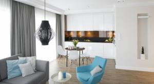 Zobacz 10 pomysłów na kuchnię w pierwszym mieszkaniu.