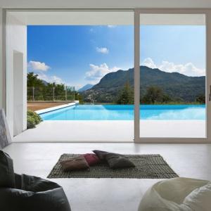 Nowoczesne okna: postaw na panoramiczny widok