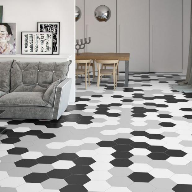 Modne płytki ceramiczne: 18 wnętrz z piękną podłogą