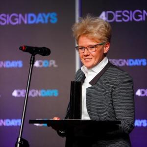 Statuetkę w kategorii Design wnętrze-handlowo-usługowe dla McFit Home of Fitness odebrała Joanna Łukasiewicz, członek zarządu firmy.