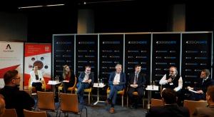 """O koncepcjach nowoczesnych biur i sposobach ich aranżacji rozmawiali uczestnicy panelu zatytułowanego """"Krzesło biurowe niejedną ma formę"""", które odbyło się w Katowicach 16 lutego br. w ramach Forum Branży Meblowej. Było ono jednym z wydarze�"""