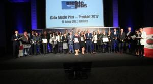 """Już po raz drugi, na 4 Design Days w Katowicach, rozstrzygnięto jeden z najstarszych konkursów branżowych w Polsce – """"Meble Plus – Produkt Roku"""". Laureatami zostały firmy wyróżniające się ponadprzeciętnymi walorami estetycznymi, innowacy"""