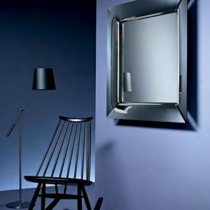 Caadre, lustro projektu Philippe'a Starcka dla Fiam  w szklanej, posrebrzanej ramie. Fot. Fioam / Galeria Heban