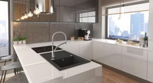 Urządzenie funkcjonalnej i estetycznej kuchni wymaga przede wszystkim dopasowania jej do naszych potrzeb, znajomości zasad ergonomii, użycia dobrej jakości materiałów wykończeniowych, sprzętu AGD oraz niezawodnej, trwałej armatury.