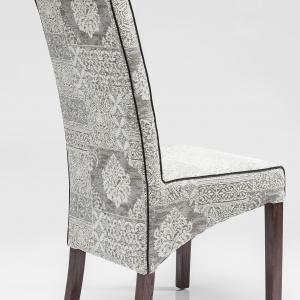 Tapicerowane krzesło. Fot. Kare Design