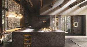 Złoto - kolor biżuterii i synonim luksusu - coraz śmielej wkracza do wnętrz, także kuchennych. Już wieluproducentów proponuje złote oświetlenie, kuchenne akcesoria, a nawet sprzęty AGD.