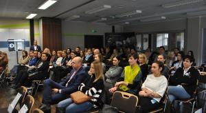 Prawie sześćdziesiąt osób gościło na pierwszym w tym roku szkoleniu w ramach Studia Dobrych Rozwiązań. 28 lutego spotkaliśmy się w Centrum Wdrażania i Promocji Innowacji w Olsztynie, by pokazać projektantom i architektom z warmińsko-mazurskie