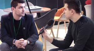 - Nazwisko znanego projektanta jest tym, co na pewno pozwala na lepszą promocję mebli - mówił nam podczas 4 Design Days Łukasz Hojan z firmy Noti.<br /><br />