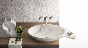 W naszej galerii zebraliśmy dla Was 15 pięknych modeli umywalek, których wzornictwo czyni z nich pełnoprawny element dekoracyjny, który znalazłby miejsce nawet w najbardziej wyszukanej aranżacji łazienki. Zobaczcie, jak pięknie wyglądają!