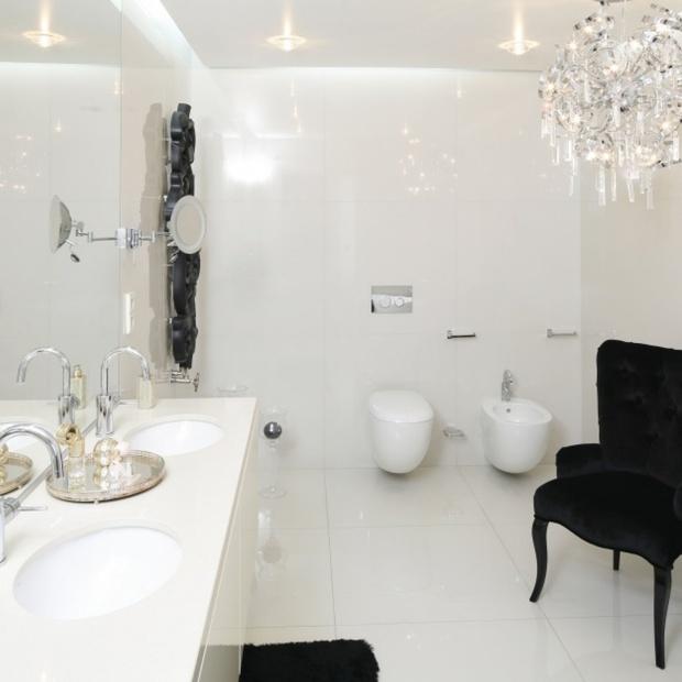 Łazienka w bieli: 15 pięknych wnętrz