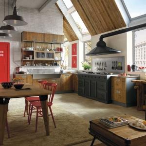 System kuchenny LAB 40 stworzony został dla tych, którzy w kuchni szukają azylu. Dostępny w bogatej gamie wykończeń, kolorów i materiałów rodem z włoskich katalogów. Fot. Marchi Cucine