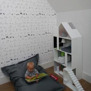 Pokój dziecięcy urządzony jest ze smakiem, wyzwala niczym nieskrępowaną kreatywność. Projekt: Ola Wołczyk. Fot. Hanna Długosz