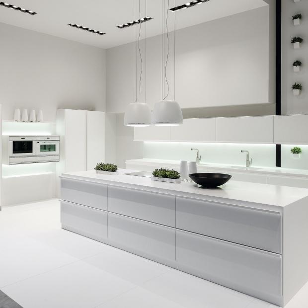 Biała kuchnia - pomysły na aranżację