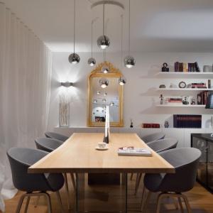 Metamorfozy wnętrza domu w Domžale (Słovenia). Projekt i zdjęcia: GAO architects