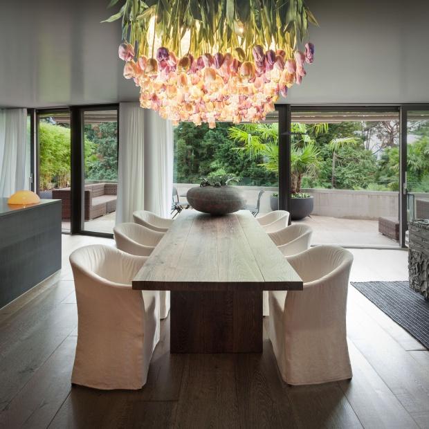Lampa z kwiatów? Zobacz niezwykły projekt oświetlenia