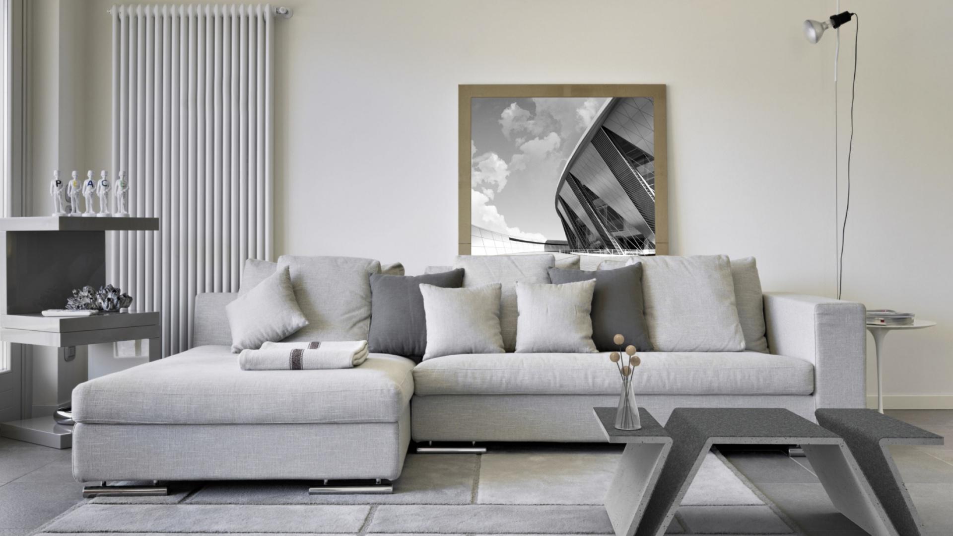 Betonowe meble bardzo dobrze komponują się z wnętrzami ciepłymi i zimnymi, doskonale współgrają też z różnymi materiałami i modną szarością. Na zdjęciu: stolik Focus, Modern Line