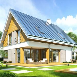 W tym domu salon i jadalnia w sposób płynny połączono z ogrodem za pomocą dużych przeszkleń i pięknego tarasu. Projekt: Viking 2. Fot. MG Projekt