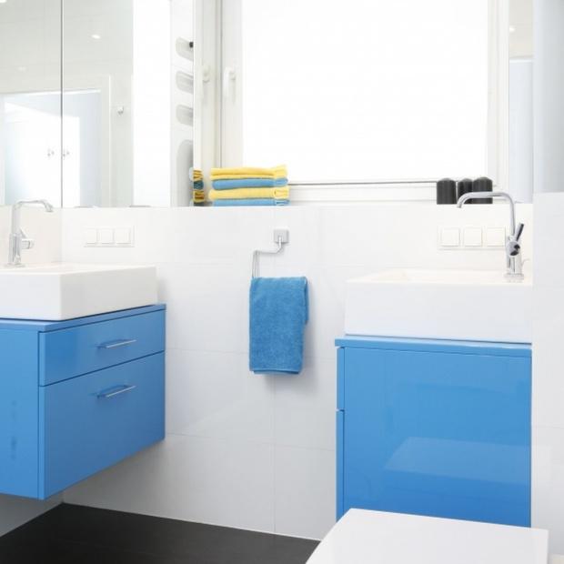 Aranżacja łazienki: postaw na niebieski