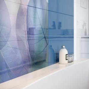 Aranżacja łazienki: wybierz niebieski. Kolekcja płytek Vivid Colours. Fot. Opoczno