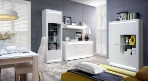W przestronnych wnętrzach z łatwością możemy znaleźć wystarczającą ilość miejsca zarówno do pracy, jak i wypoczynku. Salon będący jednocześnie jadalnią i strefą relaksu stanowi niezwykle atrakcyjną propozycję dla wszystkich ceniących i