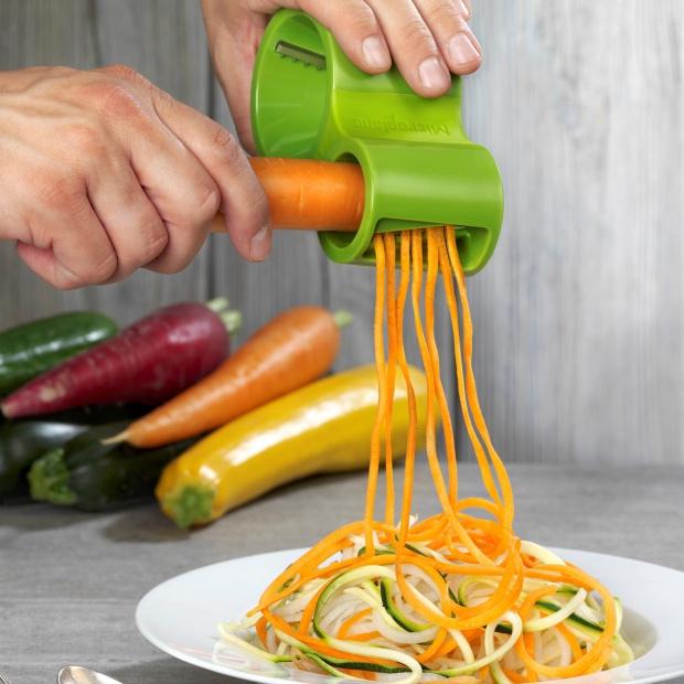 Akcesoria kuchenne do obierania, siekania i tarkowania