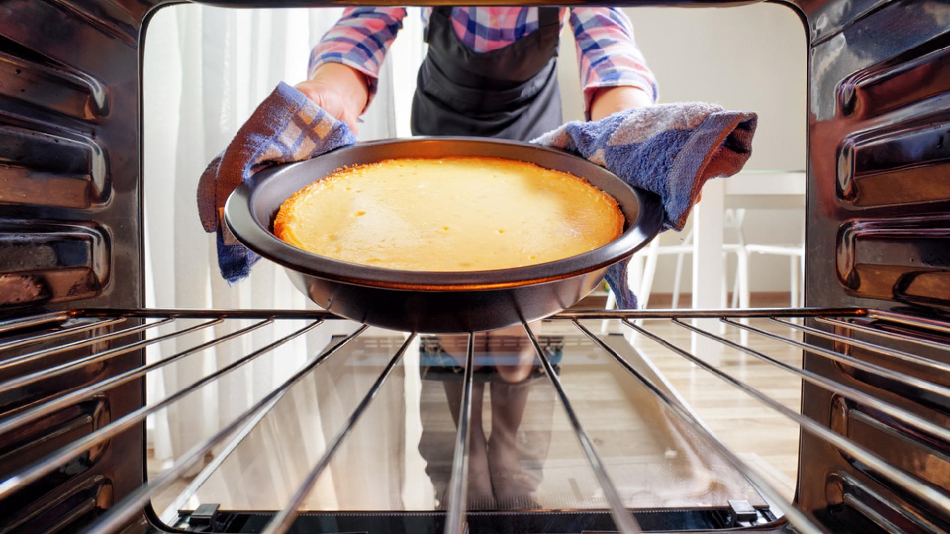 Piekarnik, który wyczyści się sam. Fot. Candy
