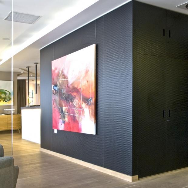 Szkło lakierowane: poznaj jego dekoracyjne możliwości