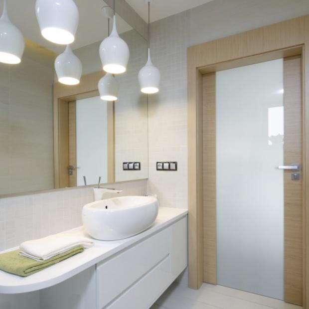 Aranżacje łazienek w bieli - najciekawsze propozycje
