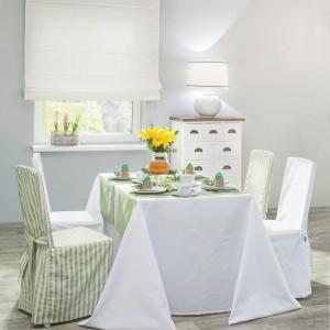 Sukienka na krzesło, zielono białe pasy, kolekcja Quadro. Fot. Dekoria
