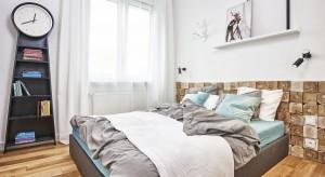 Sypialnia to prywatna oaza odpoczynku i odprężenia. Nasz relaks z pewnością wspomoże spokojna, kojąca kolorystyka. Jak urządzić sypialnię, aby wyglądała efektownie i stylowo?