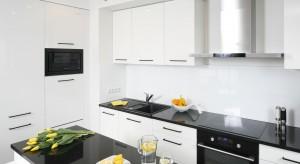 Naprawdę trudno sobie wyobrazić kuchnię bez szuflad. To wygodna alternatywa dla tradycyjnych szafek. Ilość i rozkład szuflad najlepiej zaplanować już podczas projektowania kuchni.