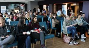 Po rocznej przerwie Studio Dobrych Rozwiązań ponownie zawitało do Łodzi. 11 kwietnia opowiadaliśmy o tym jakie trendy będą rządzić projektowaniem łazienek oraz pokazaliśmy ciekawe rozwiązania do wnętrz.
