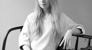 Studiowała na krakowskiej ASP i londyńskim Royal College of Arts. Na koncie ma współpracę z takimi markami, jak Comforty, Amica czy IKEA. Dla tej ostatniej w 2016 roku zaprojektowała autorską kolekcję.