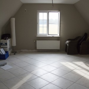 Sypialnia na poddaszu - przed remontem. Fot. Quick-Step