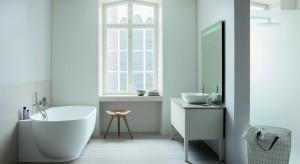 Nietypowe wzornictwo Luv łączy w sobie skandynawski puryzm oraz ponadczasową elegancję. Dobór materiałów i kolorów jest świadectwem wyrafinowanego wyczucia duńskiej projektantki Cecilie Manz dla niuansów formy.