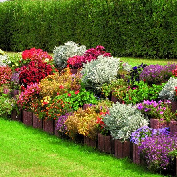 Ogród zbudowany z gazonów – jak go założyć?