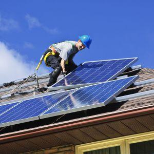 Już od początku 2021 roku wszystkie nowo powstające budynki powinny być obiektami o niemal zerowym zużyciu energii. Fot. Shutterstock