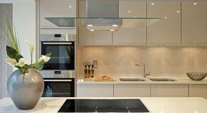 Ten produkt został zaprojektowany dla każdego, kto chce mieszkać w stylowo urządzonym mieszkaniu, a oprócz estetyki doceni jego wytrzymałość i odporność na wszelkie czynniki zewnętrzne.
