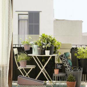 Krzesło składane SALTHOLMEN na balkon. Fot. IKEA